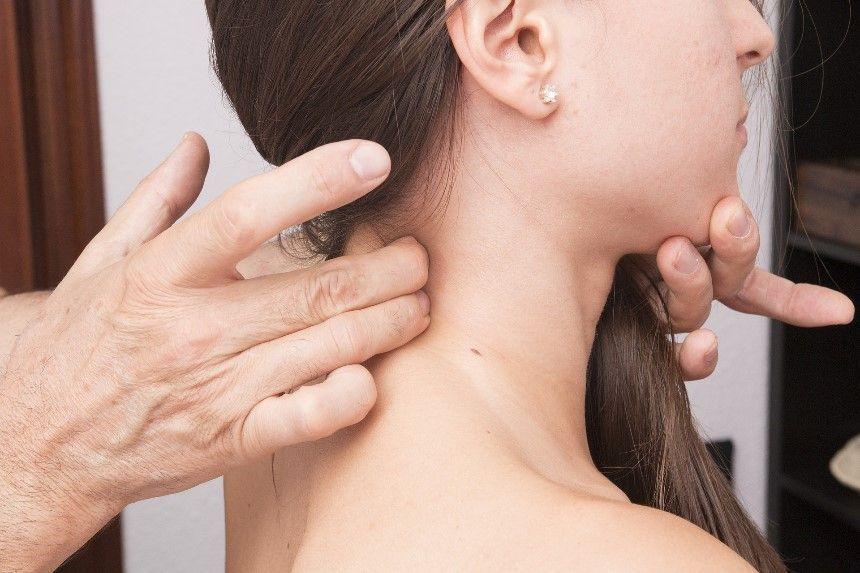 Síntomas de latigazo cervical, tratamiento de fisioterapia y secuelas