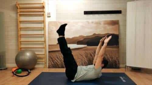 Ejercicios de pilates suelo para hacer en casa - Círculos a dos piernas