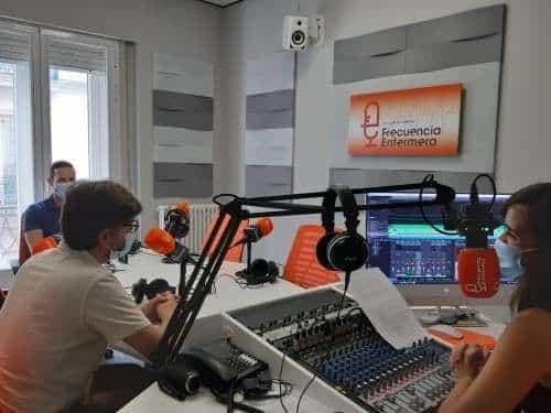 Entrevista a Alejandro Fernandez en Frecuencia enfermearía para Clínicas H3