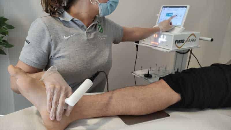 Tratamiento con diatermia de un esguince de tobillo
